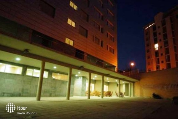 Eurostars Plaza Delicias 8