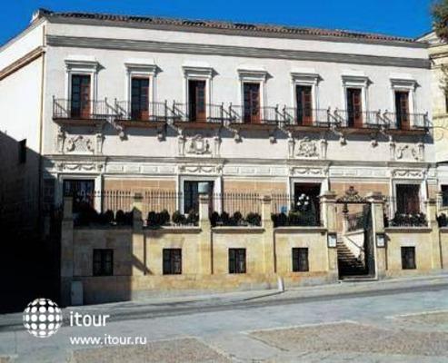 Nh Palacio Castellanos 1