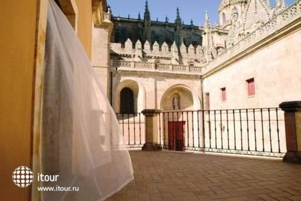 Nh Puerta De La Catedral 2