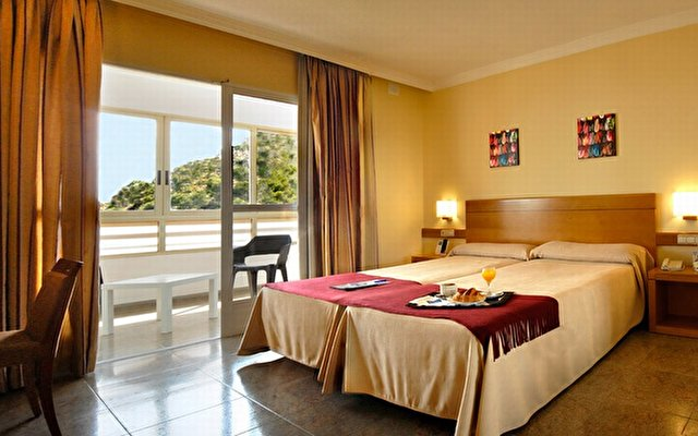 Hotel Maya Alicante 4