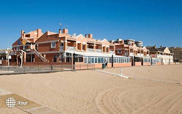 Lloyds Beach Club 5