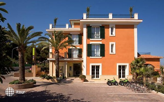Mr Hotel Les Rotes 1