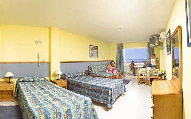Apartamentos Luxmar  7