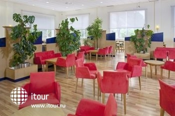 Holiday Inn Express Alicante 5