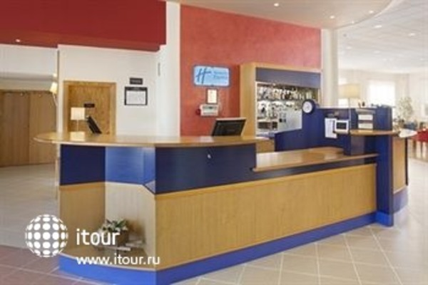 Holiday Inn Express Alicante 8