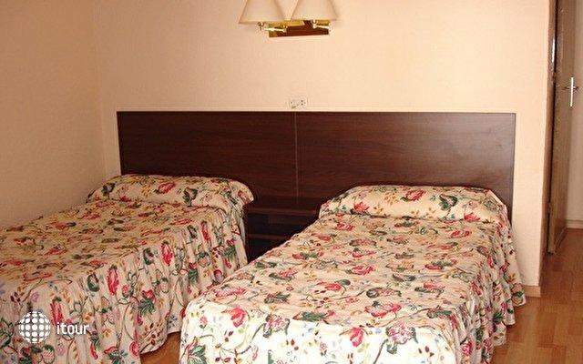 Hotel Villa Garbi 7