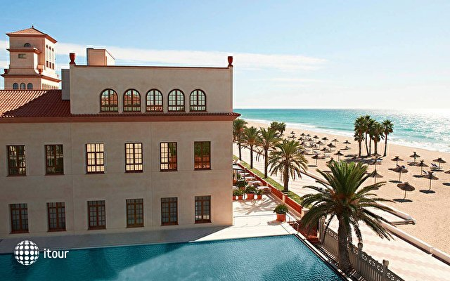 Le Meridien Ra Beach Hotel And Spa 1