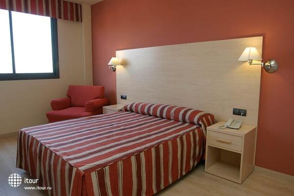 Nou Hotel La Selva Del Camp 3