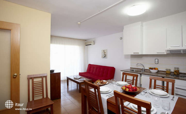 Mediterranean Suites 8