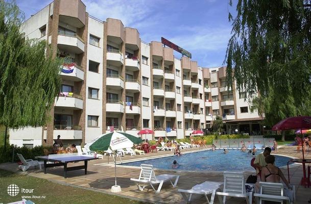 Mariposa Apartments 1