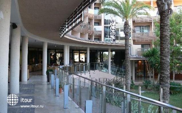 Les Oliveres Beach Resort 6