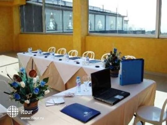 Manhatan Hoteles Suites Cunit 7