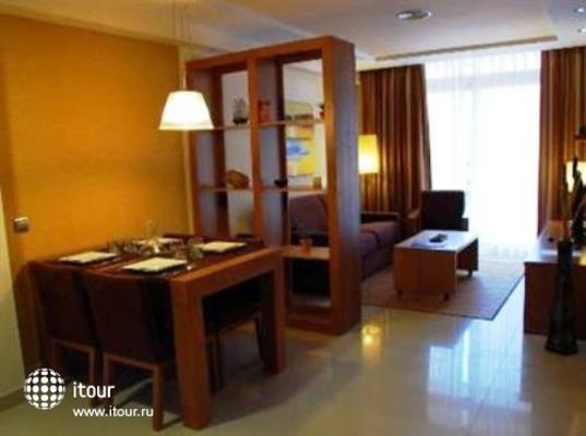 Manhatan Hoteles Suites Cunit 8