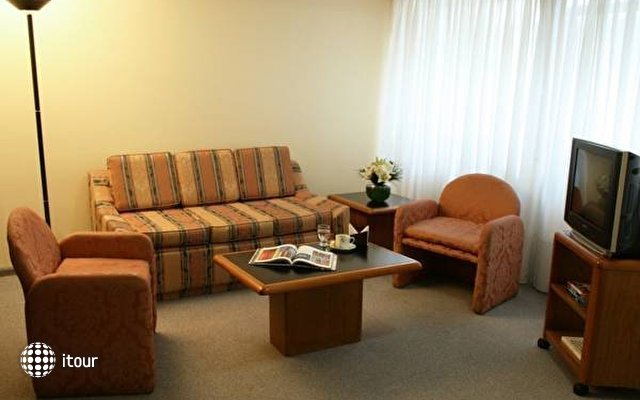 Plaza San Martin Suites 6