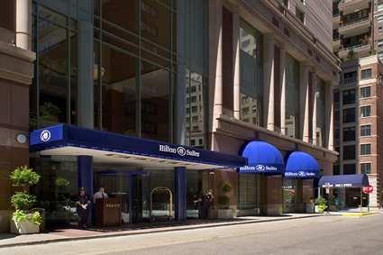 Hilton Suites Chicago/magnificent Mile Hotel 8