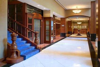 Hilton Suites Chicago/magnificent Mile Hotel 7