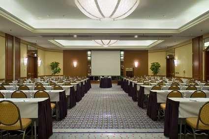 Hilton Suites Chicago/magnificent Mile Hotel 4