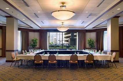 Hilton Suites Chicago/magnificent Mile Hotel 6