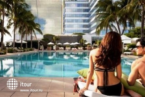 Four Seasons Hotel Miami 9