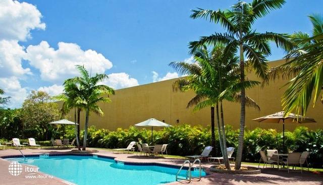 Best Western Plus Miami Airport West Inn & Suites 9