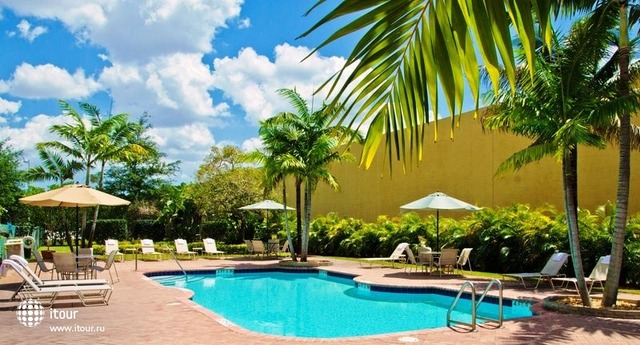 Best Western Plus Miami Airport West Inn & Suites 2