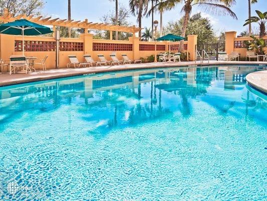 La Quinta Inn & Suites Miami Airport West 4