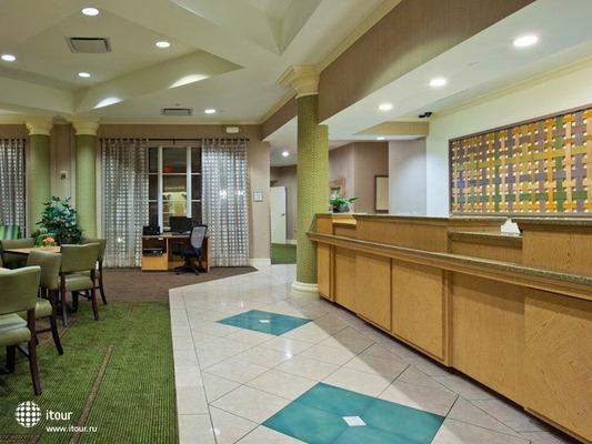 La Quinta Inn & Suites Miami Airport West 6