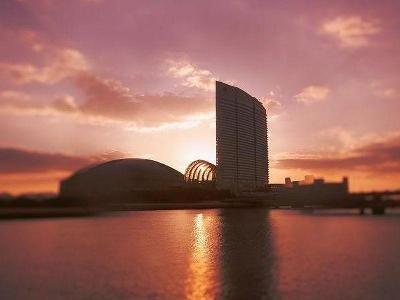 Hilton Fukuoka Sea Hawk 1