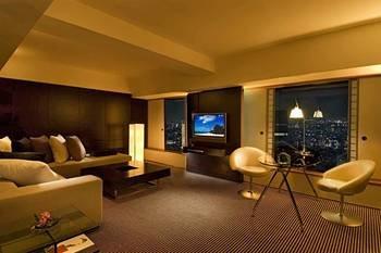 Hilton Tokyo Hotel 9