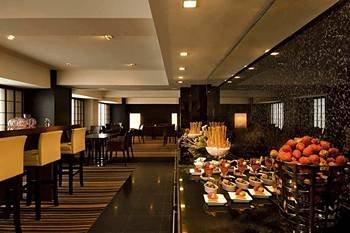 Hilton Tokyo Hotel 6
