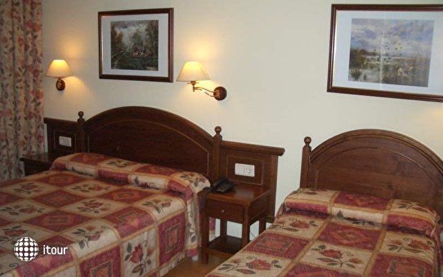 Montecarlo Hotel 5