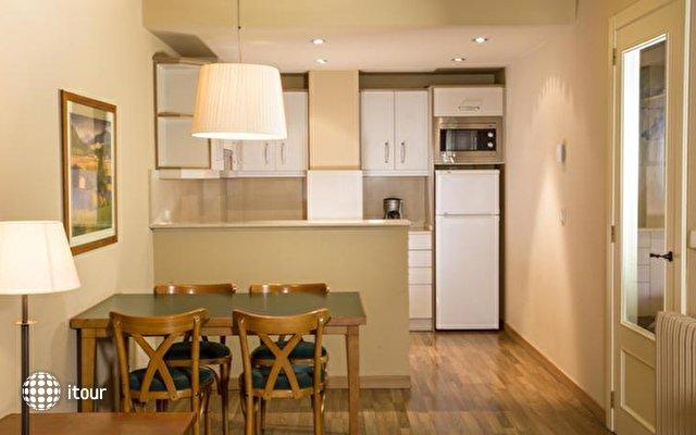 Shusski Aparthotel 6