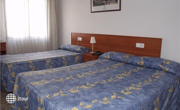 Cims Hotel 8
