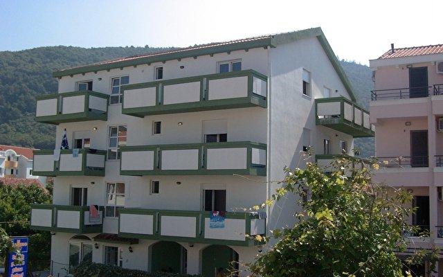 Mont Villa 1