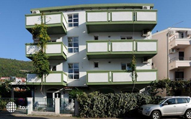 Mont Villa 7