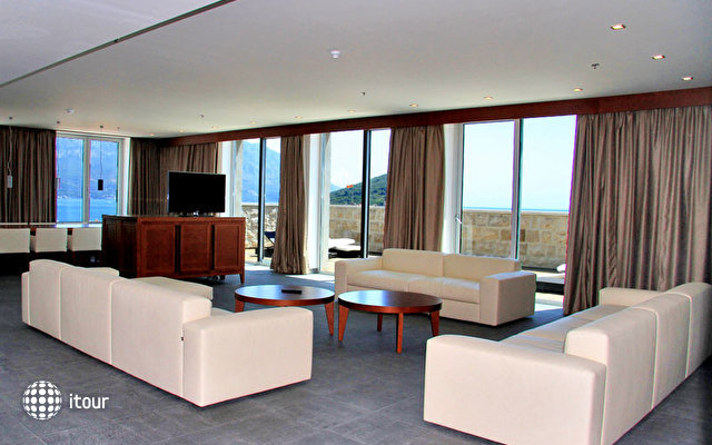 Avala Grand Luxury Suites 4