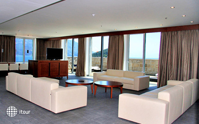 Avala Grand Luxury Suites 7