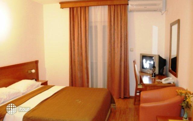 Garni Hotel Mena 8