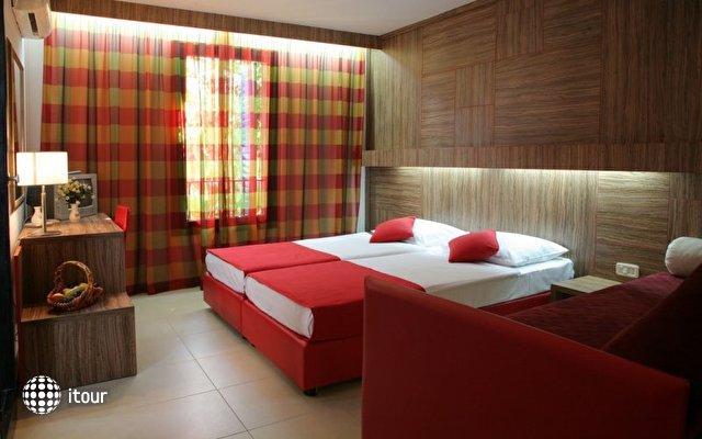 Slovenska Plaza Hotel 6