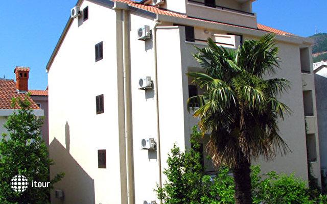 Antro Villa 1