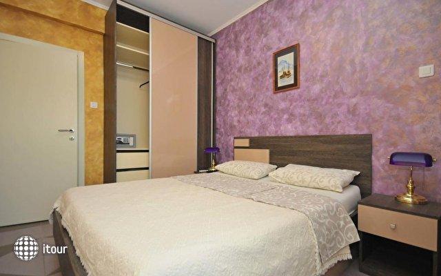 Lux M Villa  7