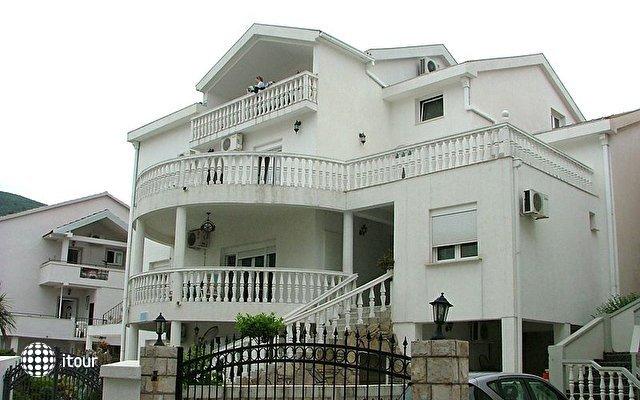 Nikolic Villa  7