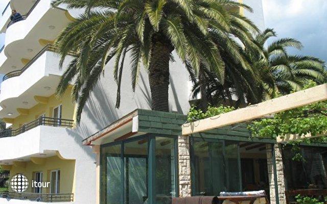 Tri Palme Villa 1