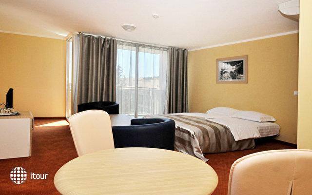 Sentido Tara Hotel 8