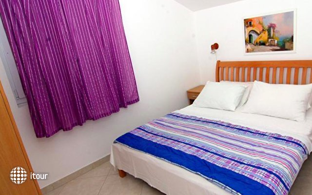 Nikic Apartments 9