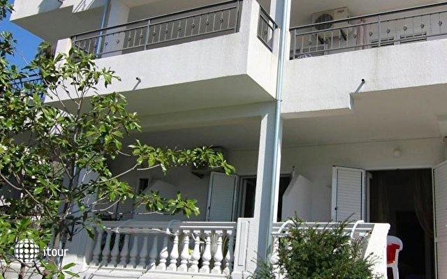 Nikic Apartments 10