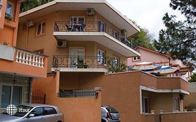 Villa Mićunović 1