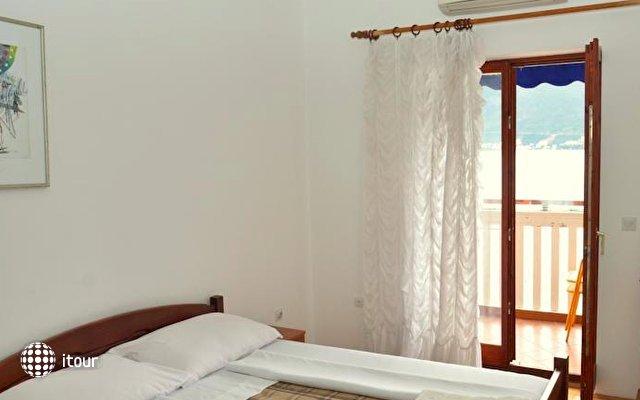 Apartments Cebra 8