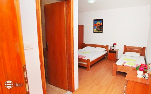 Hotel Kapri 5