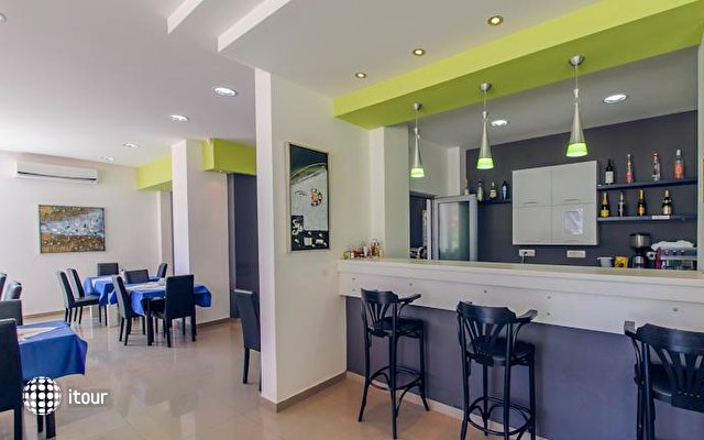 Hotel Novi 4